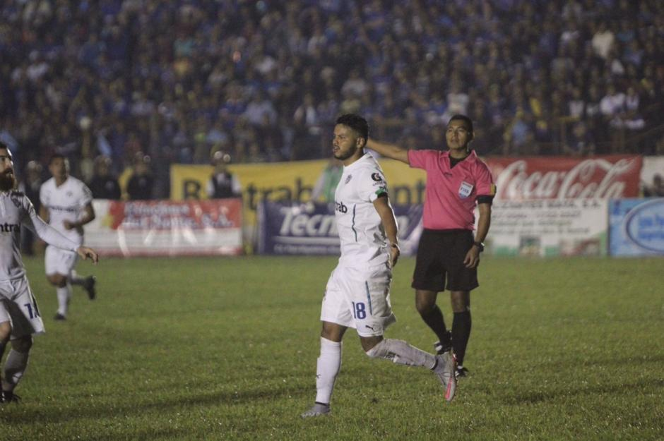 Edgar Chinchilla marcó el único gol del partido. (Foto: Twitter@CremasOficial)