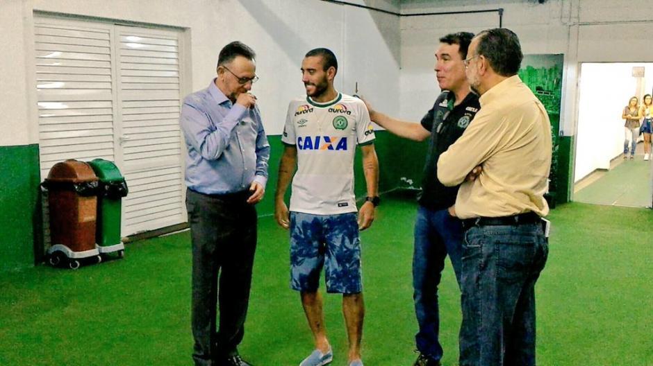 Ruschel volvió al estadio Arena Condá. (Foto: Twitter)