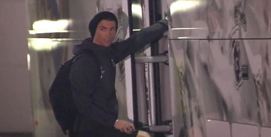 Cristiano se despidió de la afición que aplaudió su gesto. (Foto:  Captura de video)