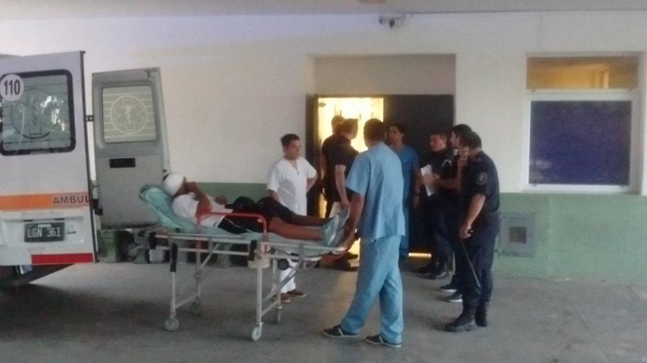 El jugador de Almagro fue trasladado al hospital. (Foto: Twitter)