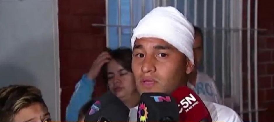 Franco Quiroz dio declaraciones al abandonar el hospital. (Foto: Twitter)