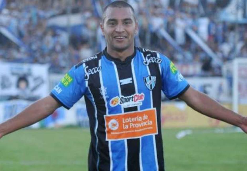 Franco Quiroz recibió un balazo en la cabeza durante un partido en Argentina. (Foto: Twitter)