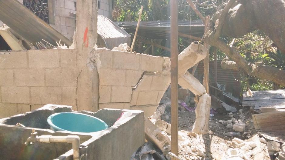 Los destrozos son visibles en toda a construcción.  (Foto: Bomberos Voluntarios)