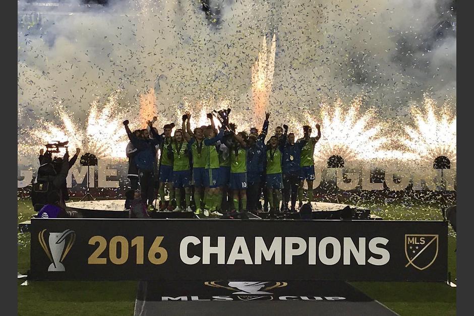 Seatlle Sounders celebró a lo grande su primer título de la MLS Cup. (Foto: Twitter)