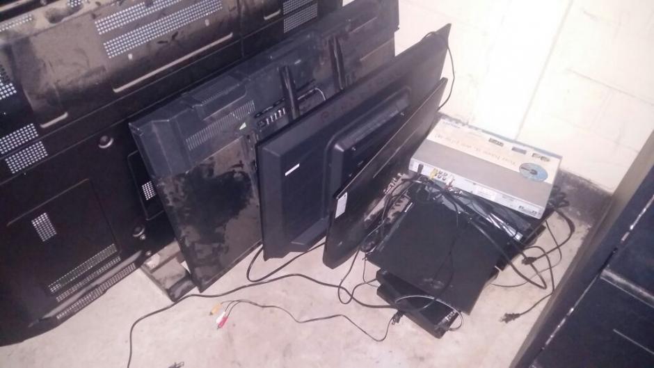 Televisores de diferentes tamaños fueron ingresados a Mariscal Zavala sin autorización, aunque el SP aclaró que no es un objeto prohibido. (Foto: Sistema Penitenciario)