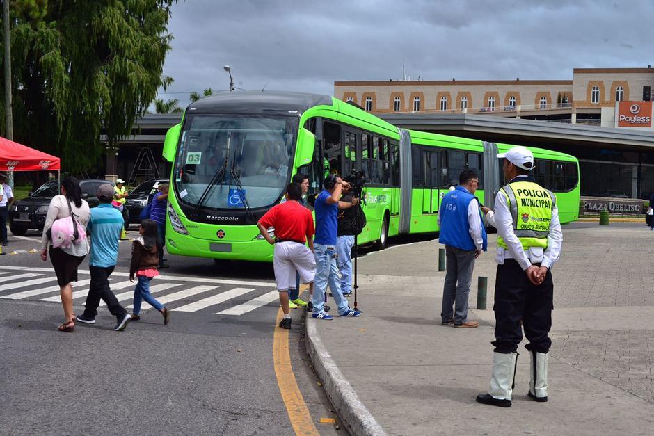 Los nuevos Transmetro son más largos que los actuales, miden unos 30 metros. (Foto: Jesús Alfonso/Soy502)