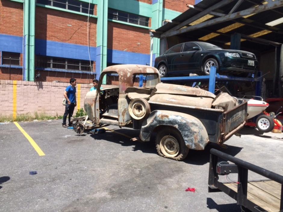 """El dueño consiguió el auto hace algún tiempo para hacerlo un """"Mate"""". (Foto: Pepe Cohen)"""