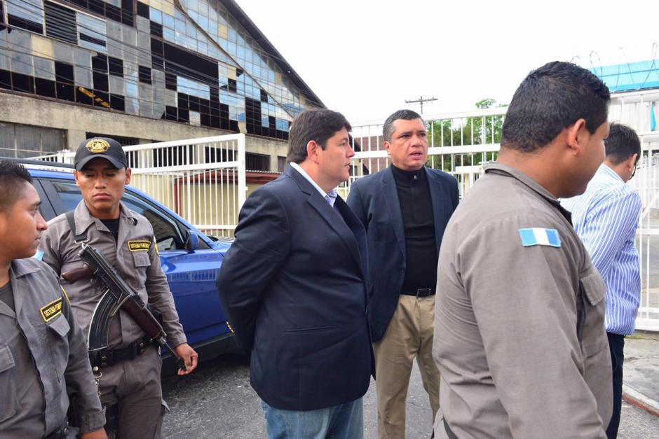 Las decenas de capturados fueron llevados desde tempranas horas a la Torre de Tribunales. (Foto: Jesús Alfonso/Soy502)