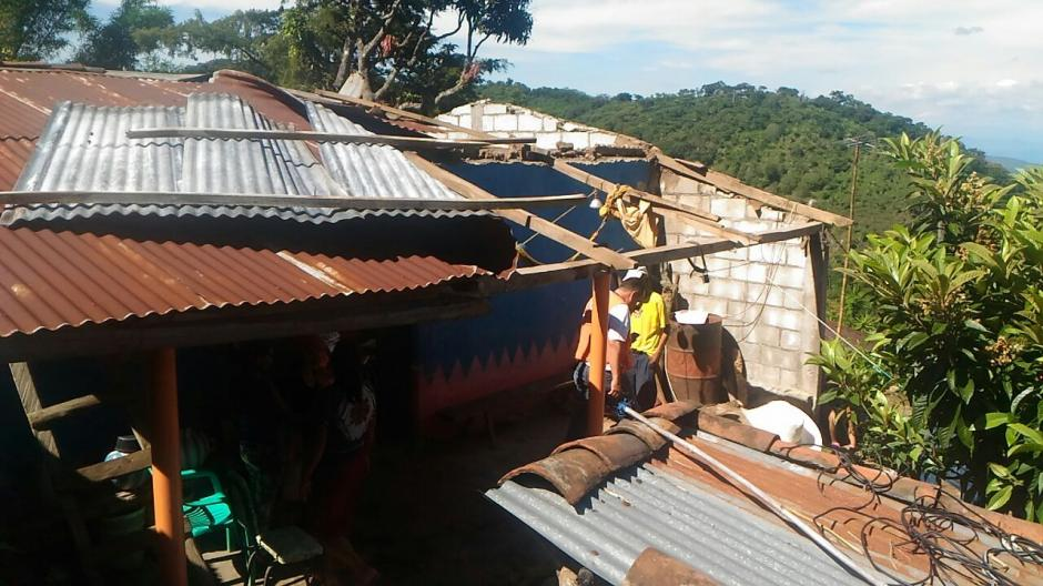 La municipalidad informó que ayudaría a las familias de Yupiltepeque para reparar los techos. (Foto: Conred)