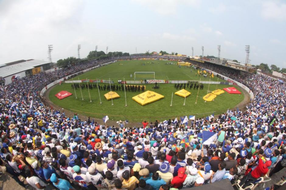 Estadios Carlos Salazar hijo de Mazatenango foto