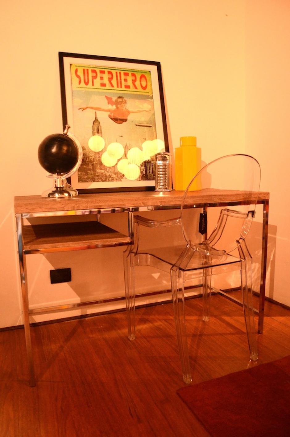 ¡Sé diferente! coloca los cuadros sobre un escritorio para dar otro giro a la decoración de tu hogar. (Foto: Selene Mejía(Soy502)