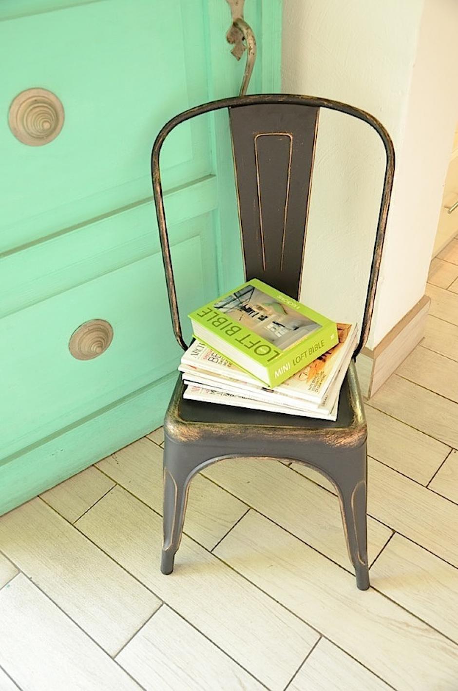Dale a tus mueble una dolbe función. Una silla podría ser perfecta como mesita de esquina. (Foto: Selene Mejía/Soy502)