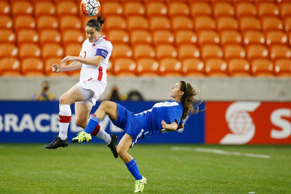 Como lateral por derecha, Daniela Andrade, ha defendido la azul y blanco. (Foto: Soy502)
