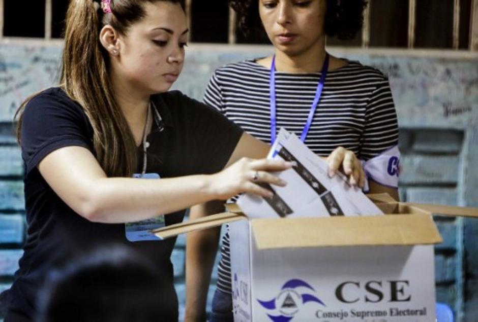 La oposición no reconoce las elecciones ya que meses atrás se les negó participar. (Foto: AFP)