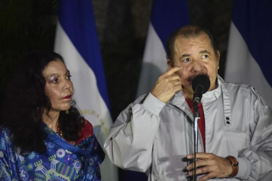 Ortega habló y agradeció a los simpatizantes que votaron por él y su esposa que será vicepresidenta del país. (Foto: AFP)