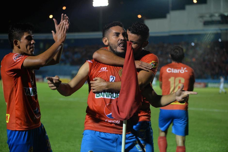 Guerra anotó su quinto gol en el torneo con la camisola de Municipal. (Foto: Wilder López/Soy502)