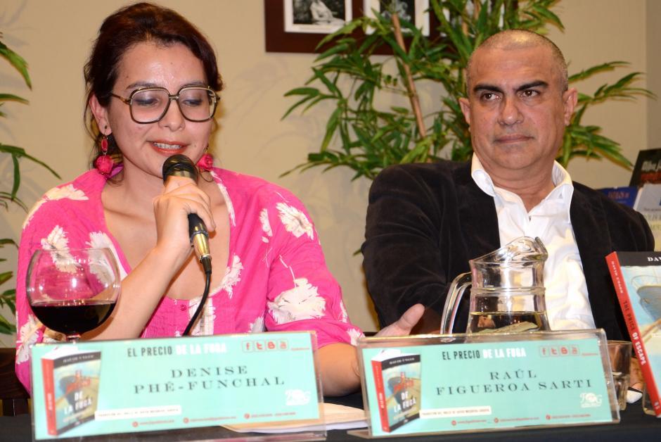 La escritora Denise Phé-Funchal y el director de F&G Editores,Raúl Figueroa Sarti,revelaron sus impresiones acerca de la historia, durante la presentación del libro. (Foto: Selene Mejía/Soy502)