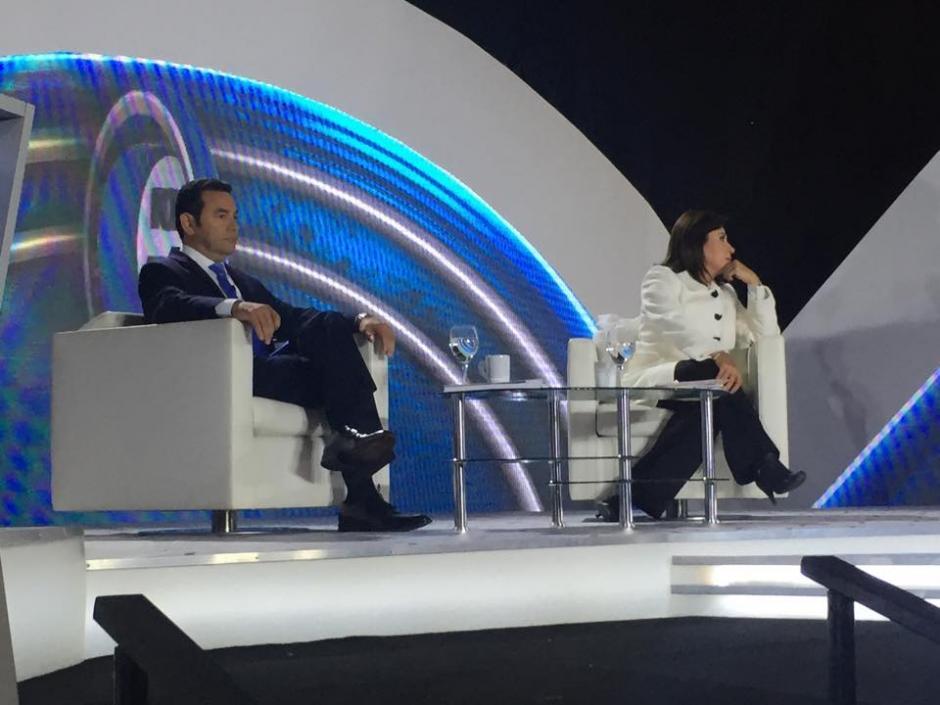 Jimmy Morales y Sandra Torres se encontraron de nuevo en menos de una semana, en un debate televisivo. (Foto: Jesús Alfonso/Soy502)