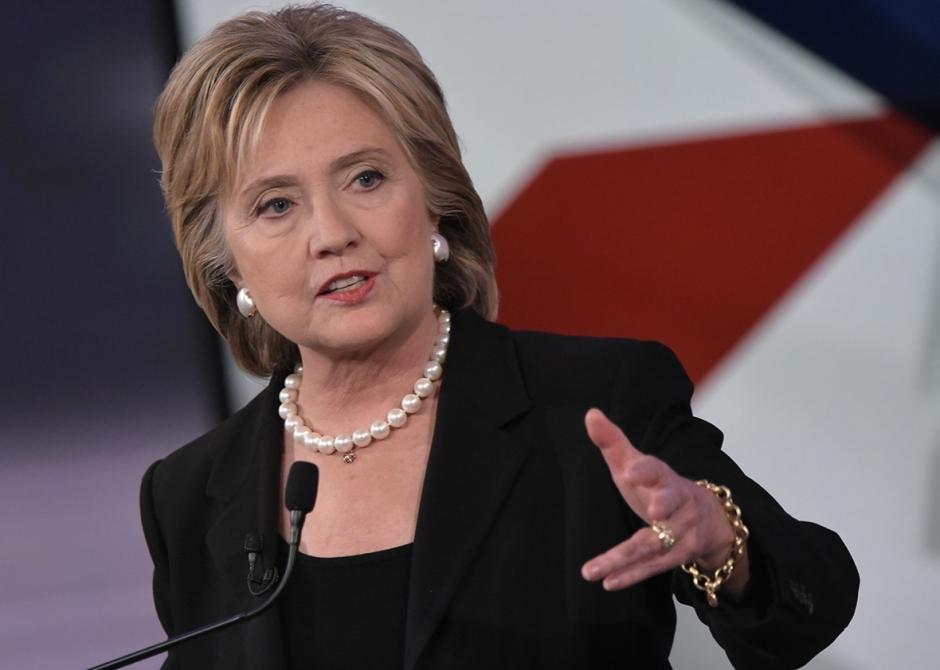 Según la última encuesta, Clinton aventaja por un mínimo porcentaje a Trump. (Foto: portadalatina.com)