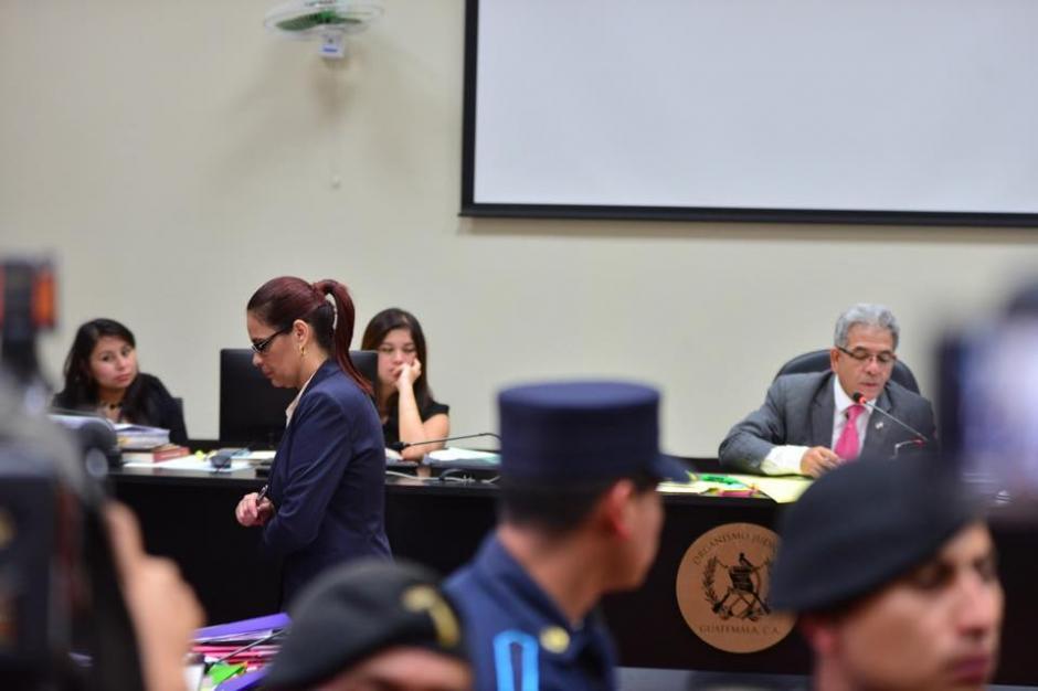 Roxana Baldetti no emitió declaración ante el Juez Miguel Ángel Gálvez y posteriormente se suspendió la audiencia. (Foto: Jesús Alfonso/Soy502)
