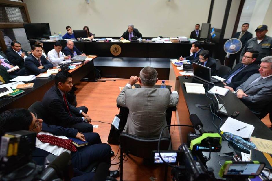 Esta es la panorámica de la sala donde se desarrolla la audiencia. (Foto: Wilder López/Soy502)