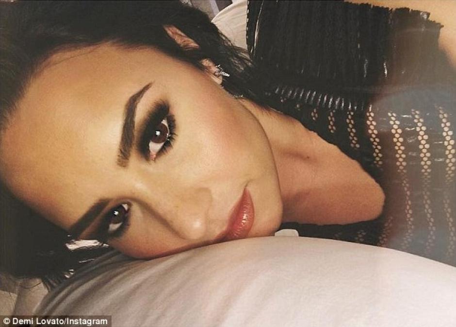 La artista Demi Lovato compartió con sus seguidores una fotografía que los dejó sin aliento. (Foto: mirror.co.uk)
