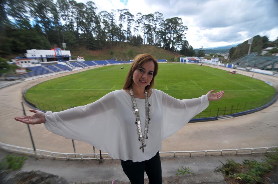 La señora Irasema Meléndez es la única presidenta mujer entre los 12 equipos de la Liga Nacional, en el fútbol guatemalteco. (Foto: Byron de la Cruz/Nuestro Diario)