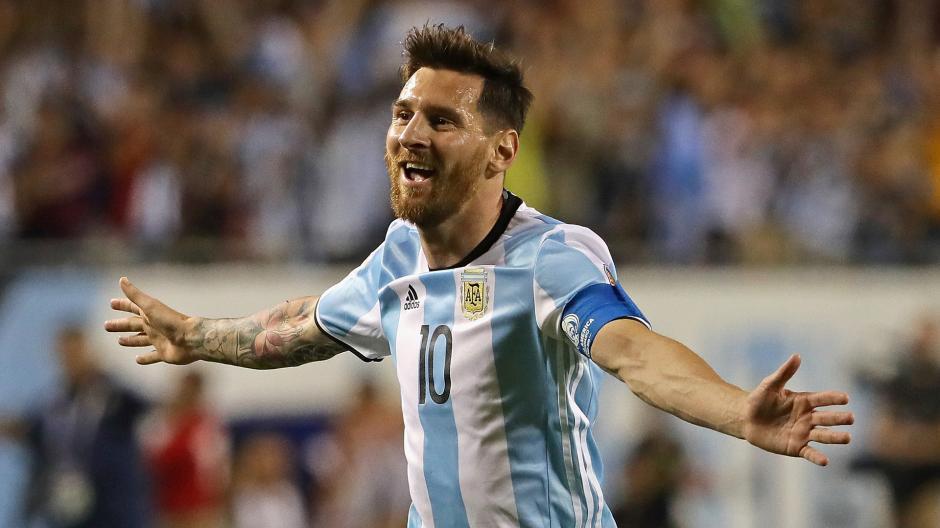 En la Copa América Centenario, Messi lució una barba muy poblada. Se rumora que era una cábala para tener éxito en la competición. (Foto: Depor.com)