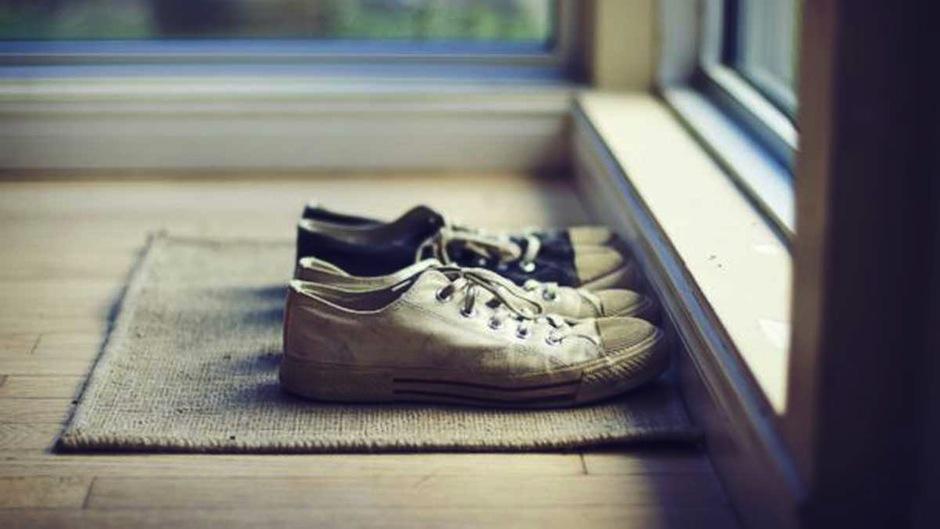 Los zapatos tienen bacterias que pueden causar serias enfermedades. (Foto: healthy noticias)