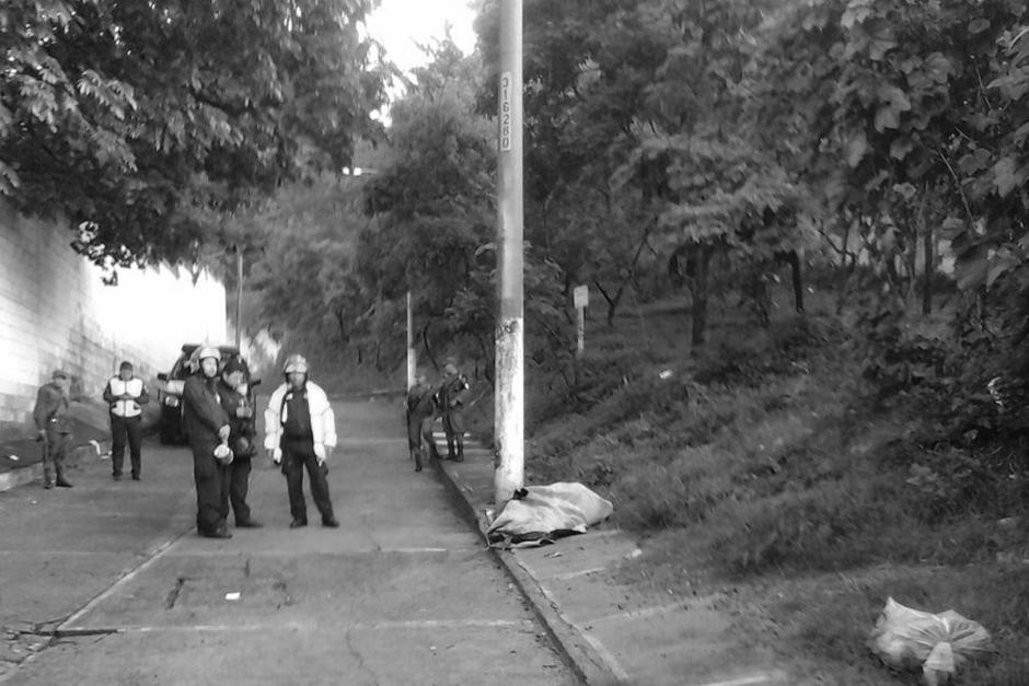 El MP ya acordonó el área para recabar detalles de la escena. (Foto: Bomberos Municipales)