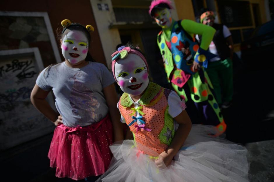Los niños payaso no faltaron en el evento. (Foto: Wilder López/Soy502)