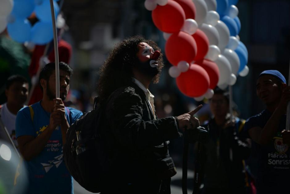 Artistas de varios países se encontraban en el desfile. (Foto: Wilder López/Soy502)