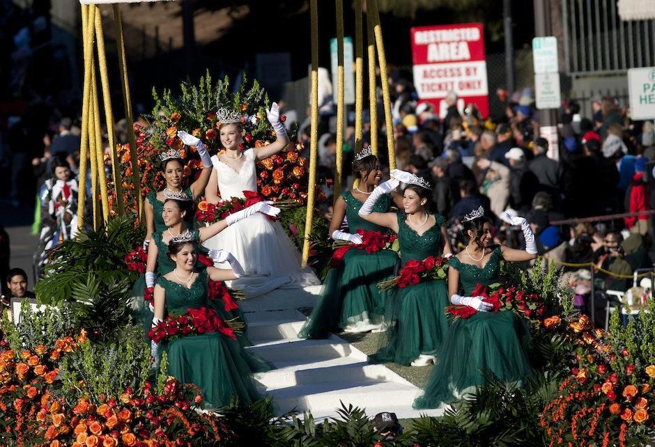La Reina de la Rosa participa en el Desfile de las Rosas 2016 en Pasadena, California (Estados Unidos). Foto: (EFE/ARMANDO ARORIZO)