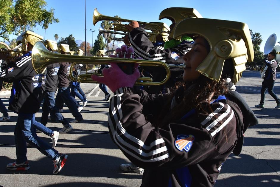 Mariana Zelaya, integrante de la banda musical Águilas Doradas del Centro Escolar José María Morelos y Pavón (CEM) del estado de Puebla (México). (Foto: Iván Mejía/EFE)