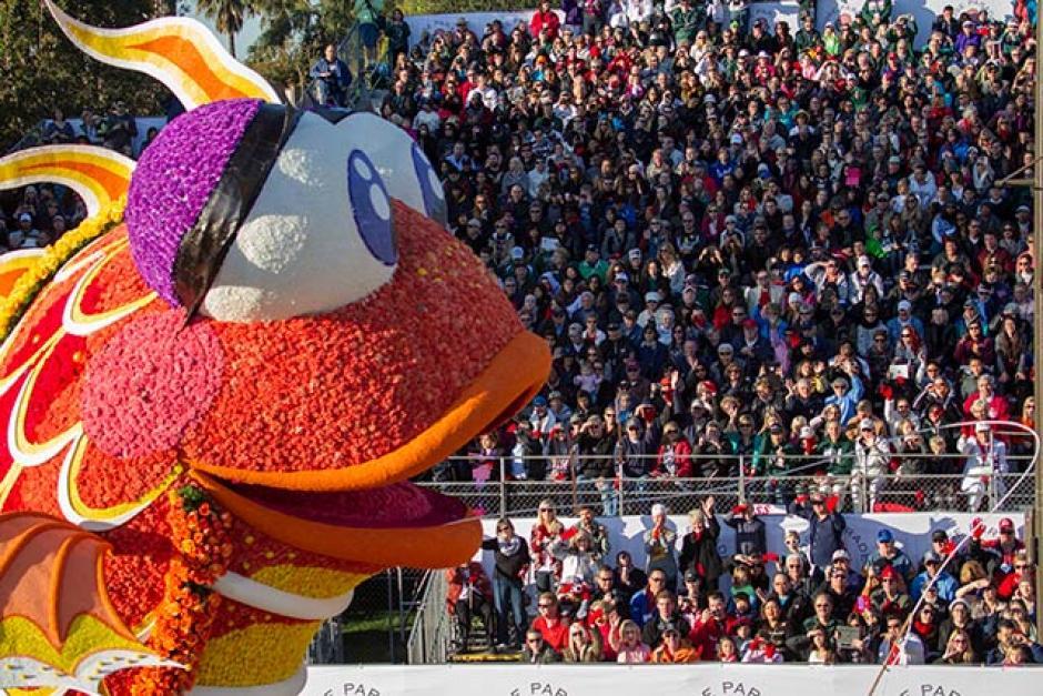 Millones de personas ven la transmisión televisiva del desfile. (Foto: elmanana.com)