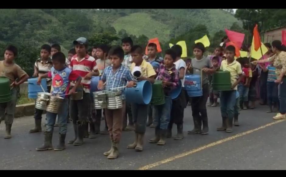 El video de los niños de la aldea Campur de San Pedro Carchá fue difundido el pasado 27 de agosto. (Foto: Captura de pantalla)
