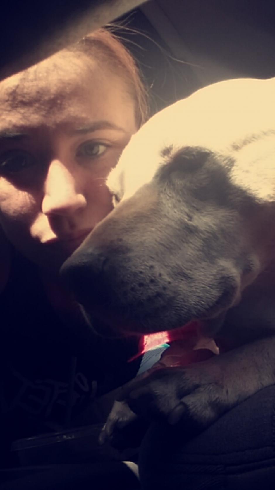 El amor hacia Hannah ilumina sus rostros. (Foto: Snapchat)