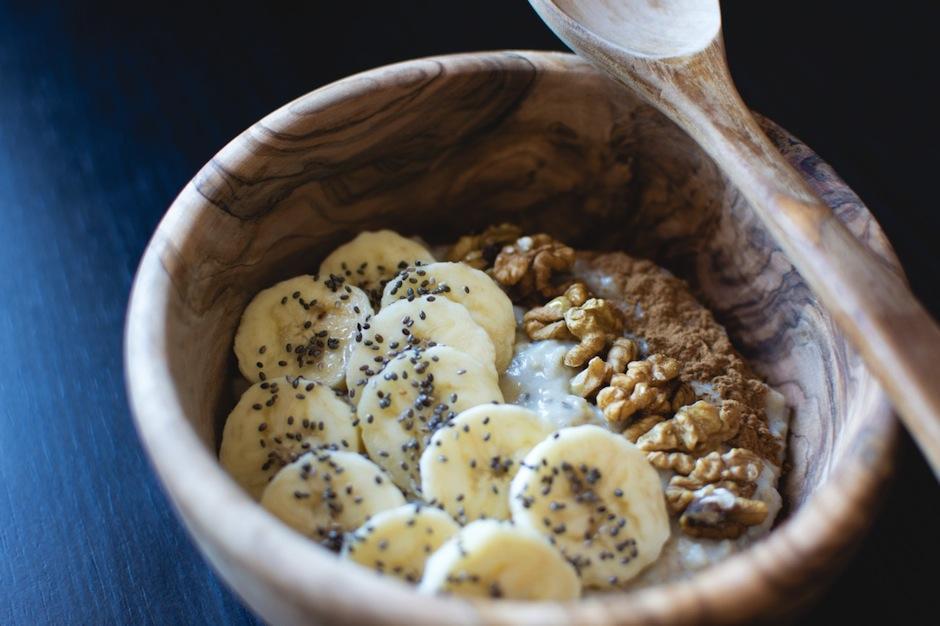 Después del gym: fruta con semillas de chía, nueces y almendras ayudará a tus músculos. (Foto: google)