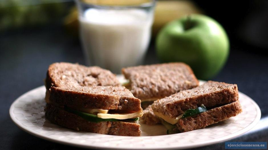 Después del gym: un pan con queso fresco es saludable. (Foto: google)