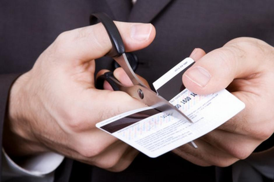 Evita adquirir nuevas deudas para pagar otras que ya tenías. (Foto: www.economiasimple.net)