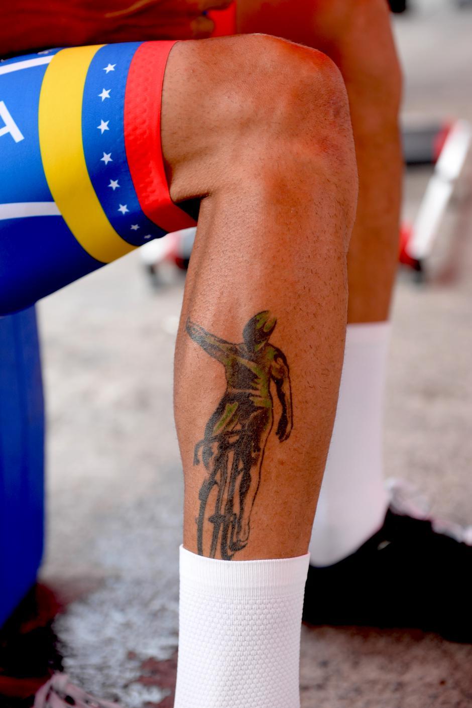 Hasta en la piel, este pedalista venezolano se tatuó su propia silueta en la pierna.(Foto: Diego Galiano/Nuestro Diario)