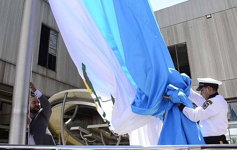 Este es un homenaje en el Día de la Bandera. (Foto: Selene Mejía/Soy502)