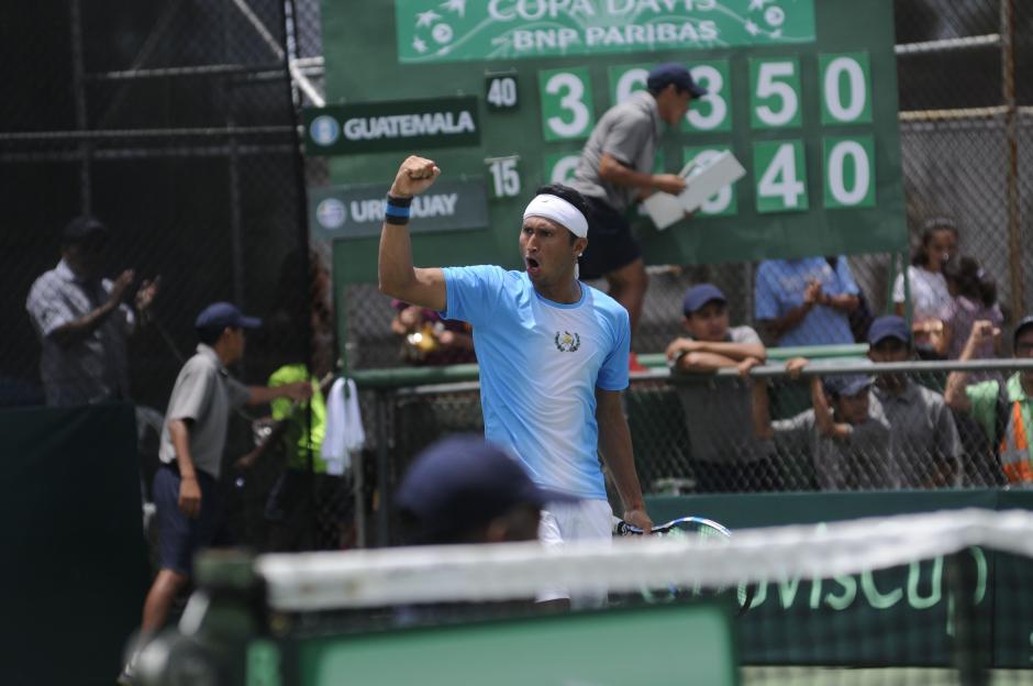 Díaz derrotó al uruguayo Martín Cuevas tres sets a dos. (Foto: Pedro Pablo Mijangos/Soy502)