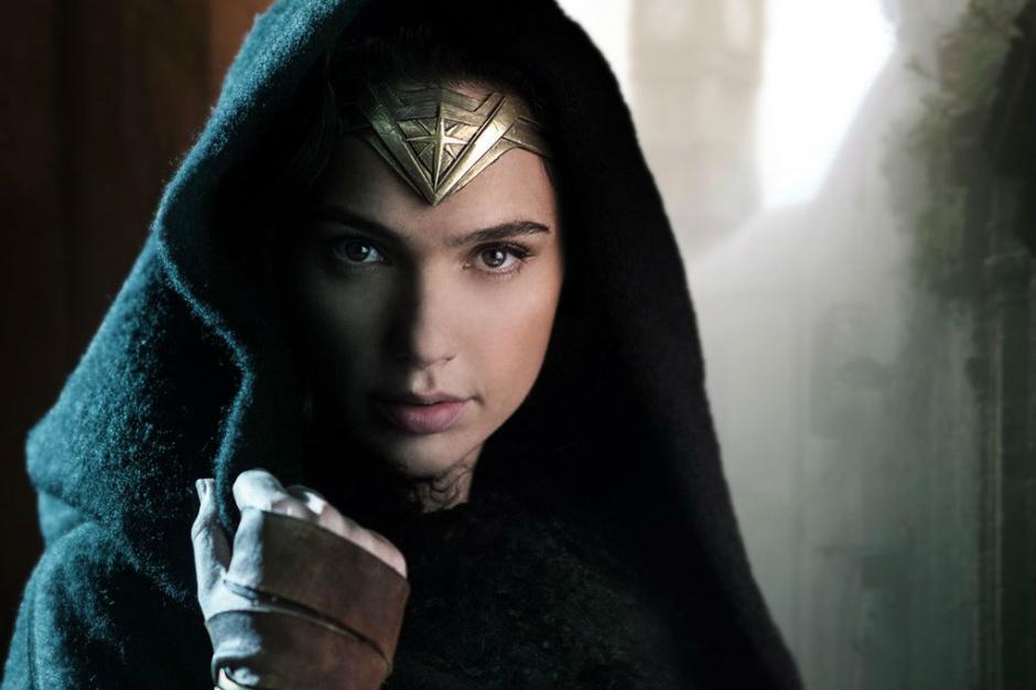 La sexy israelí interpreta a Wonder Woman en la película que se estrenará en junio del 2017. (Foto:digitaltrends.com)