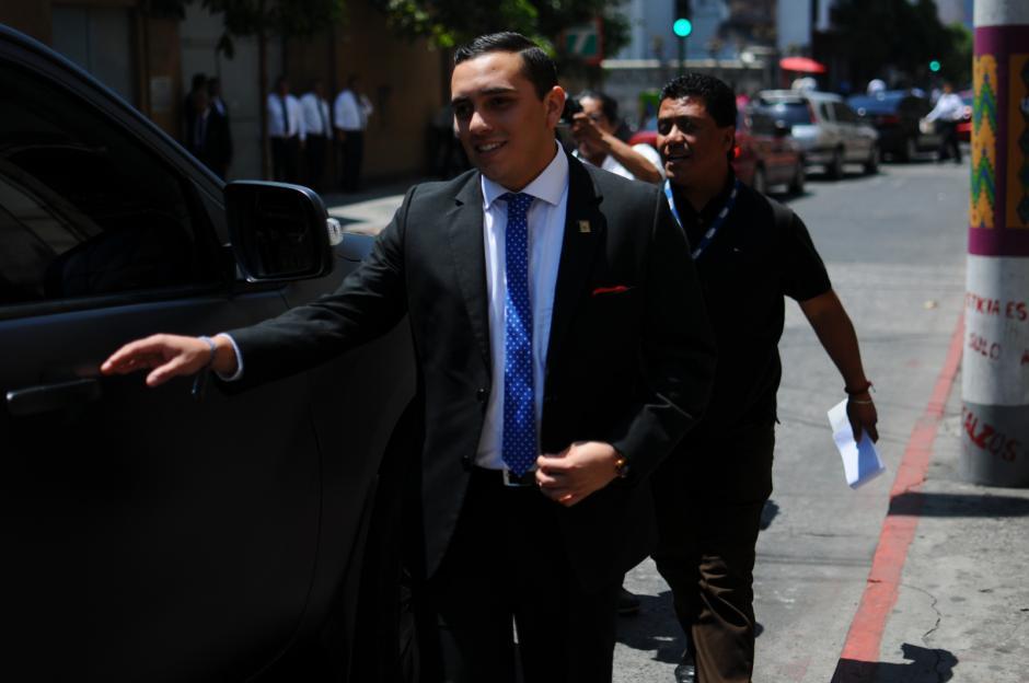 Después de confirmarse que no será expulsado de la bancada oficial, Giordano volvió al hemiciclo con una sonrisa. (Foto: Wilder López/Soy502)