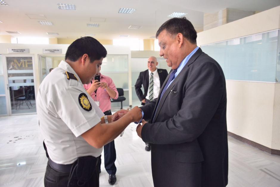El exdiputado Carlos Herrera se presentó ante la justicia. (Foto: Jesús Alfonso/Soy502)