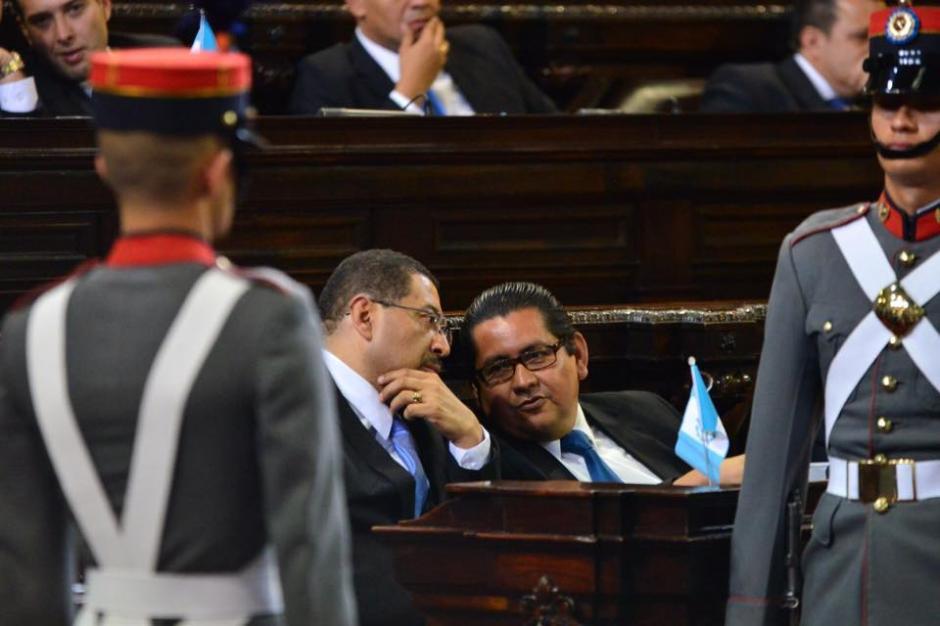 Mientras estaban dando los discursos las máximas autoridades del país, los diputados hablaron en toda la Sesión Solemne. (Foto: Jesús Alfonso/Soy502)