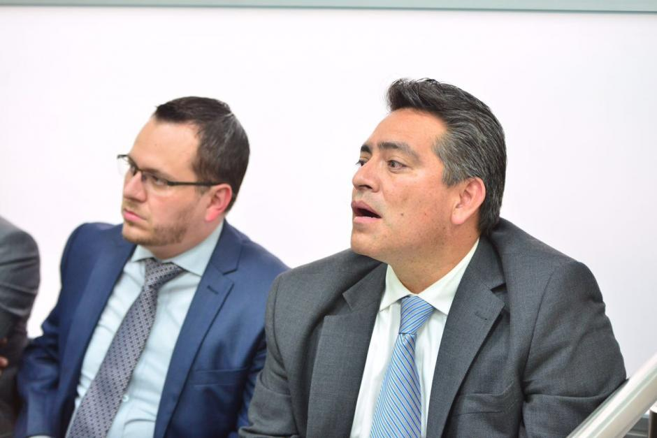 Cristiani escucha atento la resolución del juez. (Foto: Jesús Alfonso/Soy502)