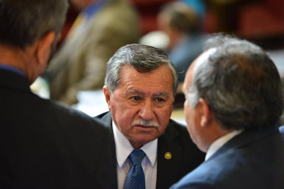 Edgar Ovalle de la bancada FCN-Nación durante la sesión en el Congreso. (Foto: Jesús Alfonso/Soy502)