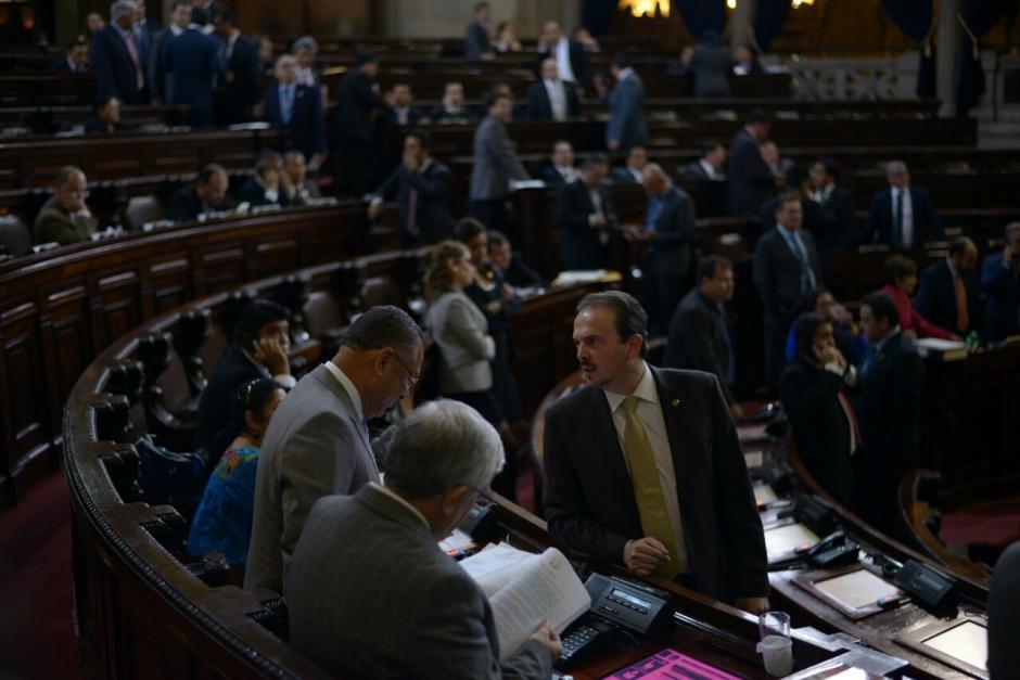 Diputados de VIVA y CREO se oponen al artículo referente a la justicia indígena. (Foto: Wilder López/Soy502)